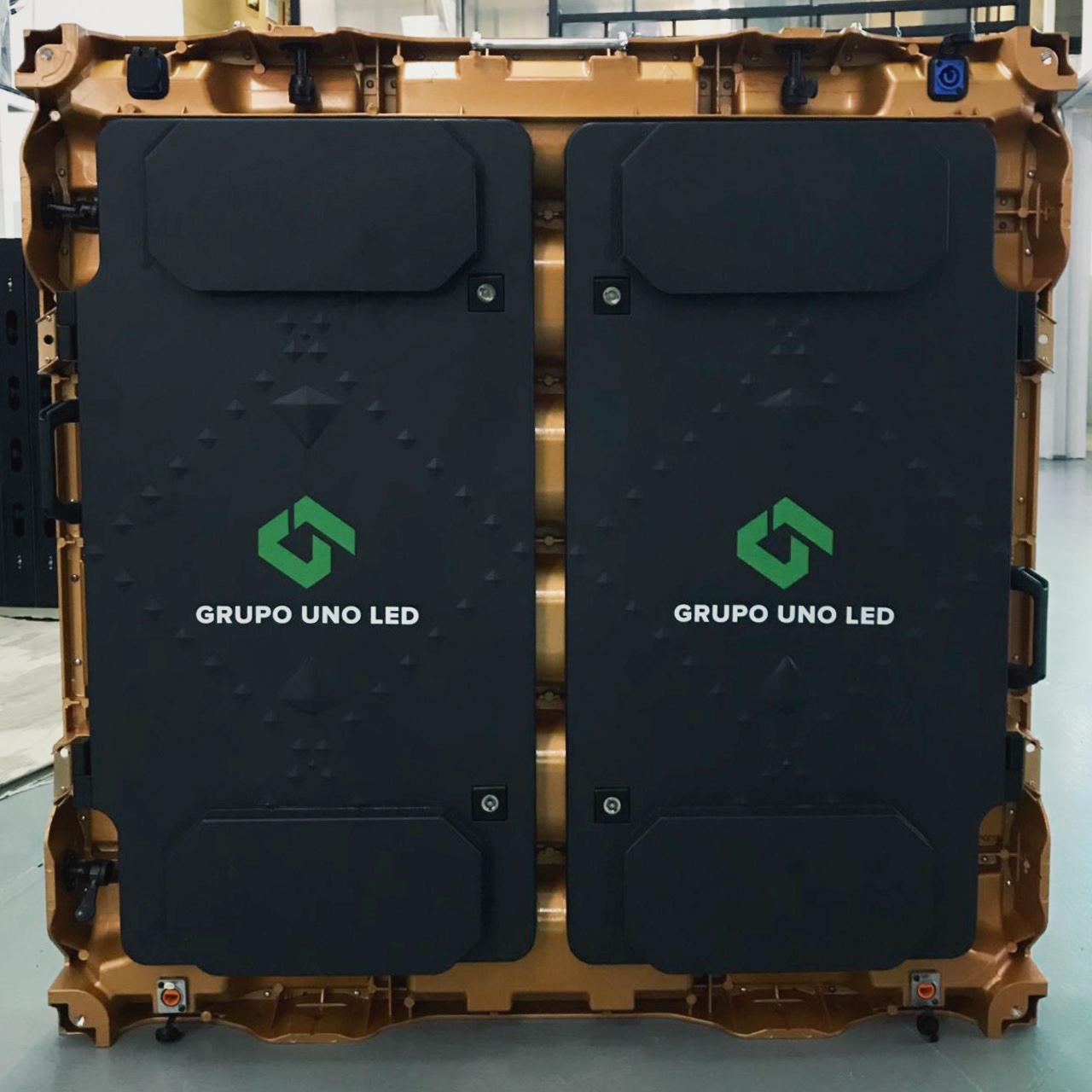 El logo de Grupo Uno LED ahora estampado en los nuevos gabinetes