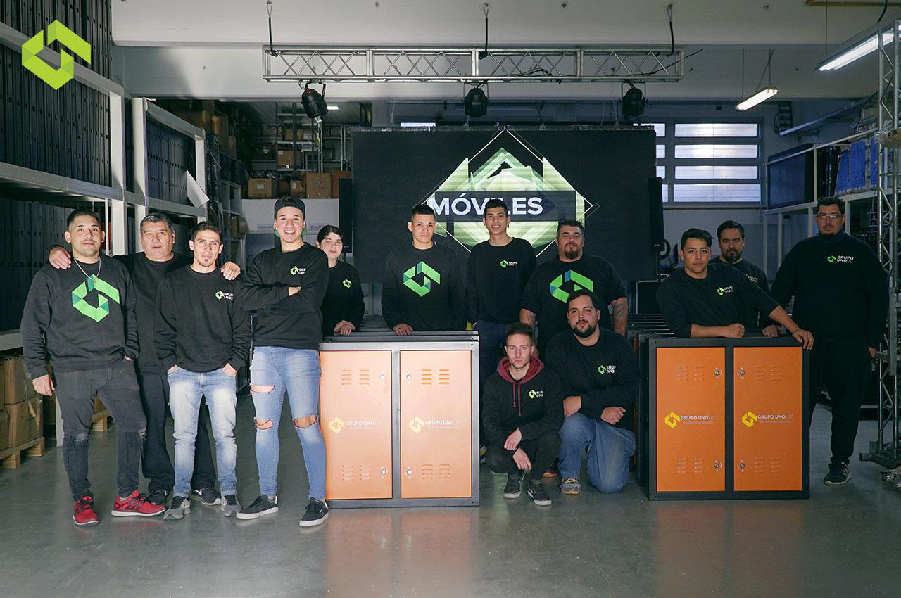 El equipo de Grupo Uno LED recorre más de 10.000 kilómetros por mes.