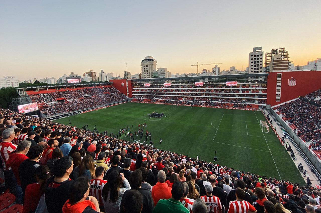 Se inauguró el Estadio Uno y la pantalla LED instalada por Grupo Uno LED.